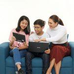 Pengaruh Penggunaan Teknologi Handphone Dalam Dunia Pendidikan